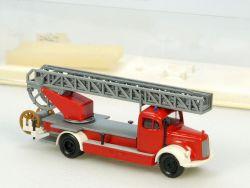 Brekina 4036 MB Mercedes LF 311 DL 25 Feuerwehr neu in Vitrine OVP