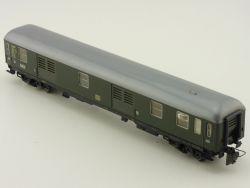 Schnäppchenmarkt! Trix Express 3387 Packwagen DB defekt!