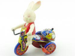 MTU Bunny Tricycle Hase Dreirad Uhrwerk Blechspielzeug Korea