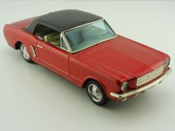Bandai Ford Mustang w/ Slip Action 2-door Coupe Blechauto ti