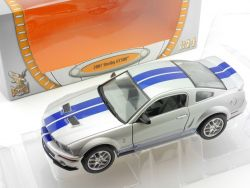 Road Signature 24208 2007 Shelby GT 500 Silber 1:24 OVP