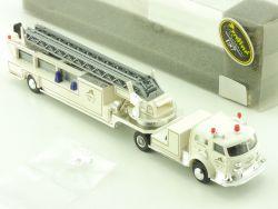 Praline 6006 American La France Leitertrailer Feuerwehr USA OVP