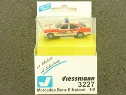 Viessmann 3227 Mercedes E Notarzt Blaulicht Blinklicht H0  OVP