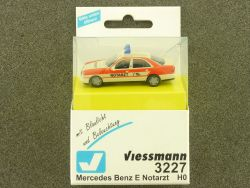 Viessmann 3227 Mercedes E Notarzt Blaulicht Beleuchtung H0  OVP