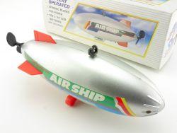 BoToY 3496 Super Air Ship Luftschiff Blimp Zeppelin Battery  OVP