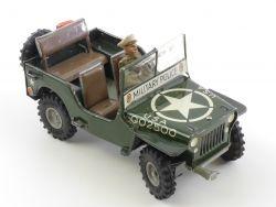 Arnold 2500 US Militär Jeep Blech Fröha Fahrer Figur US-Zone