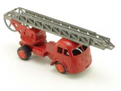 Gama 912 Mini Mercedes Feuerwehr Drehleiter DL 50er/60er 1:4