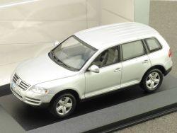 Minichamps 216230 VW Touareg Dealers Box 1:43 Vitrine TOP! OVP