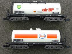 Minitrix 2x Kesselwagen 4-a Esso 13552 air BP 13558 DB Top!