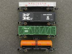 Minitrix 4x Güterwagen New Haven Santa Fe Southern Shell rare selten