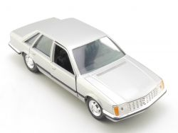 Gama 449 Opel Senator Limousine Silber-Metallic 1:25 alt TOP