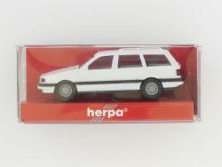 Herpa 2083 VW Passat Variant weiß Modellauto 1:87 H0 TOP! OVP