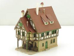 Vollmer 47730 Fachwerkhaus Holzstapel Spur N gebaut
