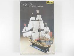 Heller Humbrol 836 Segelschiff La Couronne 1/200 Kit NEU! OVP