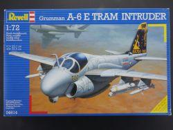 Revell 04614 Grumman A-6 E Tram Intruder Kampfjet 1:72 OVP