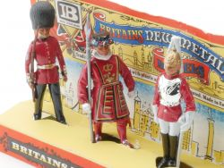 Britains 7223 Wachen Figuren Militär 1973 from dealers box  OVP