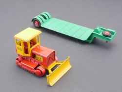 Matchbox K-17 King Size Low Loader with Case Bulldozer Lesen