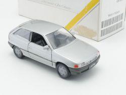 Gama Opel Astra F Silber Der neue Werbemodell Auto 1:43 OVP