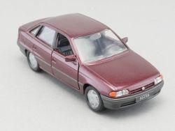 Gama 1001 Opel Astra F Stufenheck weinrot-metallic 1:43 TOP!