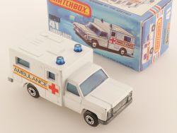 Matchbox 41 E Superfast Ambulance Krankenwagen weiß NMIB Box OVP