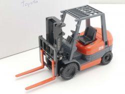 Toyota Werbemodell Gabelstapler 6FG/ 6FD 25 Elektro 1:25 NEU OVP