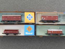Roco/Minitrix Konvolut 4x Güterwagen 02329A 2324 3253 schön! OVP