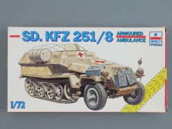 ESCI 8347 SD.KFZ 251/8 Armoured Ambulance Wehrmacht 1:72 KIT OVP