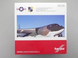 Herpa 559294 Boeing B-52G Stratofortress U.S. Airforce 1:200 OVP