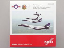 Herpa 558181 Rockwell B-1B Lancer Mr.Bones US Airforce 1:200 OVP