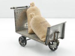 Doll 1002/1 Gepäckkarre Blechspielzeug Spur 1 + Märklin Sack AP