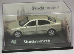 Abrex Skoda Superb Limo goldmetallic Modellauto PKW 1:72 OVP ST