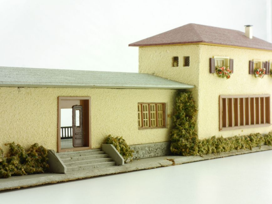 faller 109 holzbahnhof neustadt holzhaus h0 augsburger. Black Bedroom Furniture Sets. Home Design Ideas